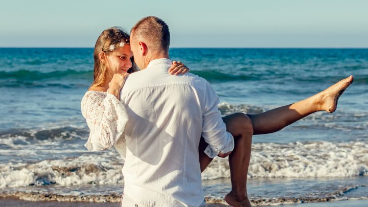 How To Organize A Wedding On The Beach
